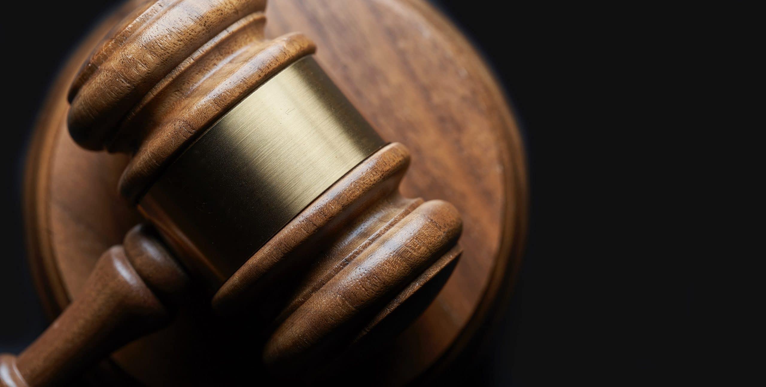 requisiti legali e amministrativi